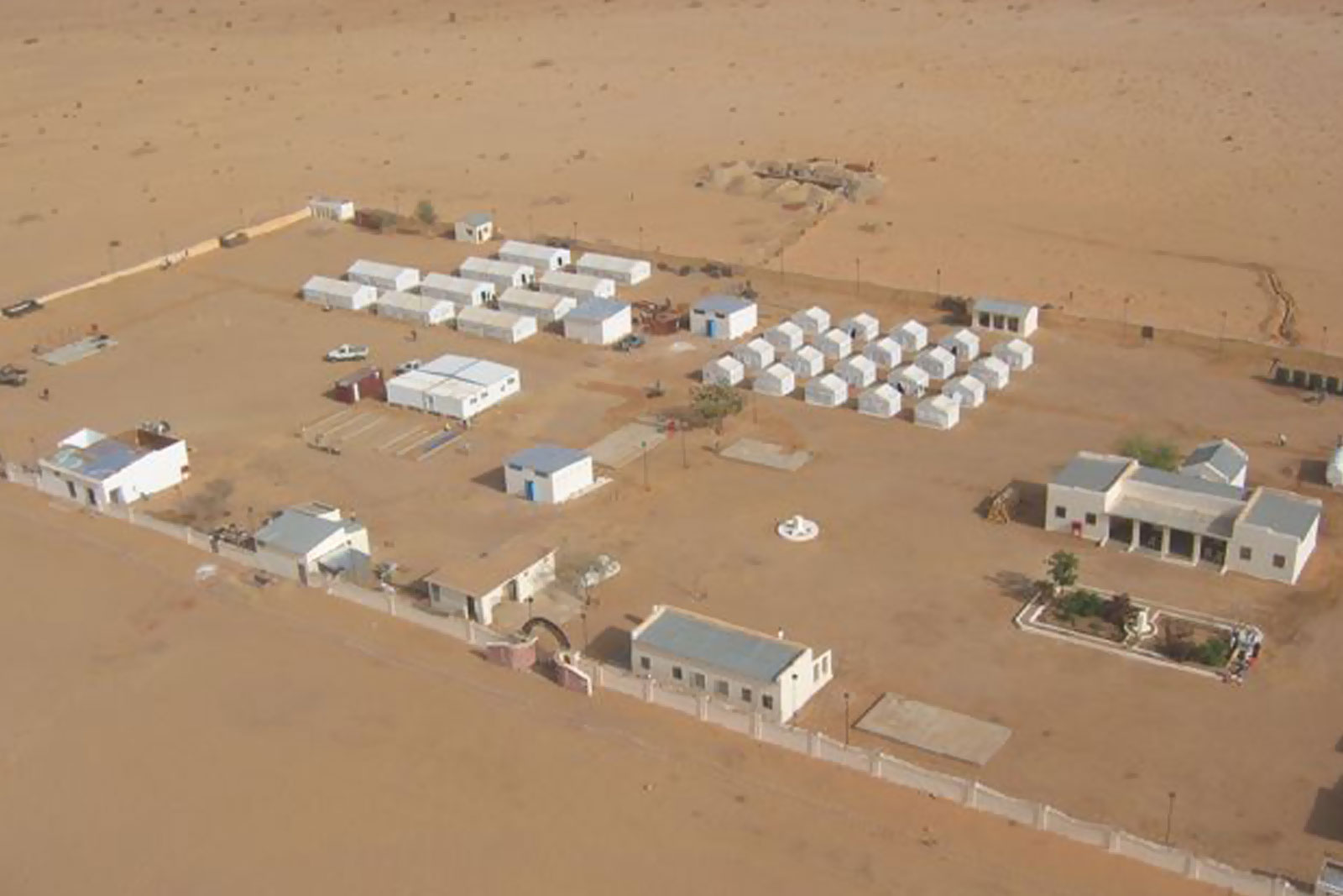 mobile camps in desert